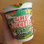 日清カップヌードル「抹茶仕立てのシーフード味」を食べてみた。